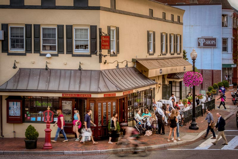 exterior-of-martins-tavern-in-georgetown_credit-sam-kittner-georgetown-bid